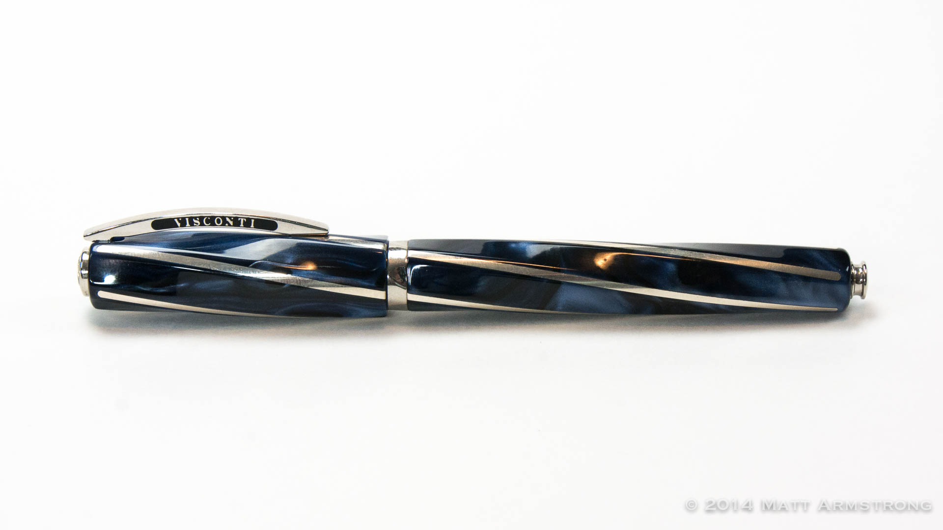 Pen Review: Visconti Divina Elegance Maxi (Blue)